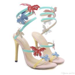 Farfalla sexy di stile online-New Fashionl Women Décolleté con tacco alto aperto Toe Snake-wrapped butterfly Catwalk style sandali di cristallo Sexy Lady party shoes Plus Size
