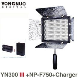 Wholesale universal battery chargers for cameras - YONGNUO YN300 III 5500K 300 LED Light On Camera Lighting for Wedding with NP-F750 battery and Charger