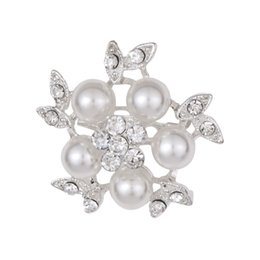 Wholesale small brooches pearls - New Flower Brooches Gold-Color Simulated Pearl Rhinestone Scarf Buckles Corsage Small Shawl Pins