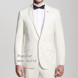 2018 Hot Slim Fit un botón de esmoquin novio esmoquin muesca solapa padrinos  de boda hombres trajes de boda Prom Formal 2 unids (chaqueta + pantalones +  ... 39a8b32ba6f