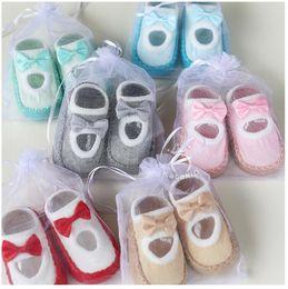 kostenlose baby erste schuhe Rabatt Säuglings-erste Wanderer-rutschfeste Bowknot-lustige Baby-Socken-Baby-Schuh-Socken Kds-Innenstarke Socken DHL geben Verschiffen frei
