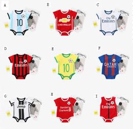 Fútbol recién nacido online-2018 bebé recién nacido ropa de verano de manga corta de fútbol casual mono bebé mono niños fútbol ropa moda fútbol