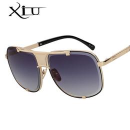 16d8291b297 Gafas de sol cuadradas de gran tamaño de Xiu Hombres Diseñador de la marca  de fábrica Mujeres Gafas de sol Gafas de metal de calidad superior Vintage  Uv400 ...