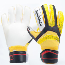 Wholesale Games Finger - Latex with fingersave Soccer Professional Goalkeeper Gloves 5 Colors Adult goalkeeper gloves game soccer ball goalkeeper gloves for children