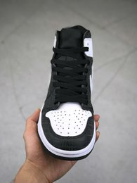 Wholesale white shadow box - With Box New 1 High OG Game Royal Banned Shadow black Toe Basketball Shoes Men 1s Shattered Backboard Silver Medal Sneakers