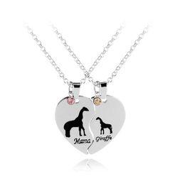 Wholesale Baby Animals Giraffe - Heart Mama and Baby Animal Jewelry Mama Giraffe Engraved Pendant Necklace Set Gift for Mom heart-shaped stitching necklace KKA4135