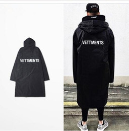 Männer für regenjacke online-neue Männer Vetements Regen Mantel Kanye West Bomber Jacke Streetwear Lange Hoodies Männer Hip Hop Windbreaker Übergroßen Marke Kleidung