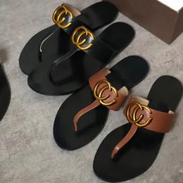 metall sohle schuhe Rabatt Designer Hausschuhe Frauen Haus Luxus Hausschuhe Flip-Flops im Sommer Farbe coole Hausschuhe Anti-Rutsch-dicken Sohlen Strand Schuhe Metall Sandalen