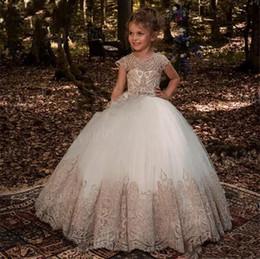 2019 jupe en tulle blanc thé Robe boule longueur de plancher bijou dentelle appliques de cristal enfants tenue de soirée sans manches robes fille fleur