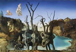 Spedizione gratuita Swans Reflecting Elephants Salvador Dali Stampa artistica Poster 24x36 Arte Poster Stampe Home Decor Wall Paper 16 24 36 47 pollici da