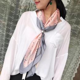 510ecf8f7cfb Femmes Léopard Soie-Satin Tête Carré Hijab Écharpe 2017 Nouvelle Mode  Imprimer Plage Châle Wraps Écharpes 70 cm   70 cm Livraison Gratuite budget  pashmina ...