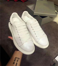 Wholesale Cheap Womens Designer Shoes - 2018 Luxury Designer Men Casual Shoes Cheap Best High Quality Mens Womens Fashion Sneakers Party Wedding Shoes Velvet Sports Sneakers Tennis