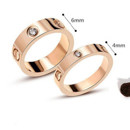 Anéis largos para mulheres on-line-Amor Anéis para Mulheres Homens Casais Cubic Zirconia Titanium Aço Largo 6mm ou 4mm Tamanho 5-11 Anéis de Casamento