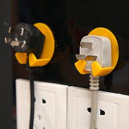 Support de prise murale en Ligne-* cuisine 4 Pcs Power Plug Socket Jack Crochet Rack Titulaire Hanger Home Wall Decor Organizer crochet mural ventouses ganchos 0.837