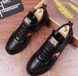 Wholesale large size lace wedding shoes - 2018 high-end dress shoes luxury brand men dress shoes business Leisure shoes Large size: 38 -43 Free shipping