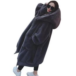 высокое качество зимнее пальто женщин теплая мягкая молния меховая куртка 2018 новый пушистый длинный капюшоном женский плюшевые пальто повседневная верхняя одежда от Поставщики вязать длинную шубу из кролика