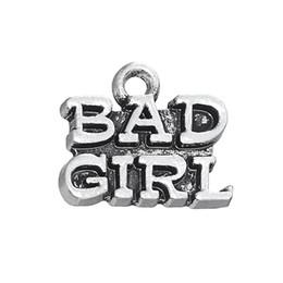 Malas aleaciones online-30 UNIDS Estilo Americano Americano Letra Colgante de Joyería BAD GIRL Aleación de Metal Encantos Cuelga Para La Joyería de DIY