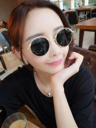 Wholesale Old Fashioned Glasses - New Arrival Ultra Light Round Metal Men Sunglasses For Women Glasses Old School Retro Summer Fashion UV400 Coated Film Lens W1832