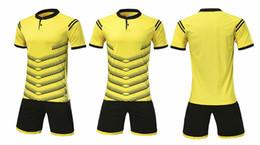Alta qualità 2018 Quick Dry Running giallo t-shirt adatta per gli uomini con allenamento sportivo di calcio manica corta 1705 da