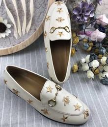 2019 ouro fechado toe bombas Nova estrela + abelha senhora sapatos de couro de fundo plano de couro tamanho completo, tamanho 35-41 preto. Bege.
