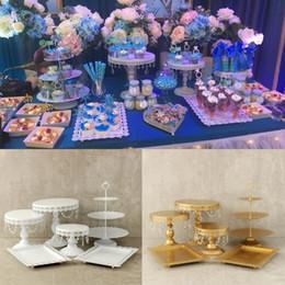 Perle di torte nuziali online-Oro bianco perla di cristallo metallo torta stand cupcake dessert servire cremagliera titolare banchetto di nozze decorazioni per la tavola 6 pz / set