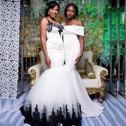Sirene trompete vestido de casamento branco preto on-line-Gótico Preto e Branco Sereia Vestidos de Casamento Plus Size Trompete Rendas Apliques de Tule Saia Custom Made Vestidos De Noiva Até O Chão