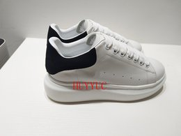 Wholesale fitness media - 2018 Designer Luxury Brand Man Casual fitness Shoes New Mens Womens Fashion White Leather Comfortable Shoes Flat Casual Shoes Size35-45