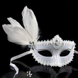 Máscara branca de veneza on-line-Veneza máscara de plástico branco máscara de penas de plástico branco Halloween dance show high-end dos amantes