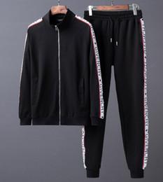 Argentina 2018 marca diseñador hombres jogging trajes medusa impreso shark sudaderas con capucha sudadera slim fit chándales para hombres chaqueta ropa deportiva tamaño asiático M-3XL cheap xl suit jacket size Suministro