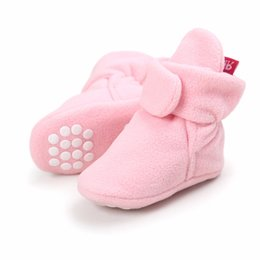 Wholesale White Bootie - ROMIRUS New baby shoes Newborn Cozie Faux Fleece Bootie Winter Warm Infant Toddler Crib Shoes Classic Floor Boys Girls Boots
