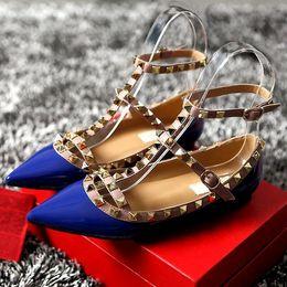 Sandalen 33 online-2018Brand Frauen Pumpt Spitz Flache Mode Frauen Schuhe Nieten Aus Echtem Leder Knöchelriemen Sandalen Schuhe 33-43