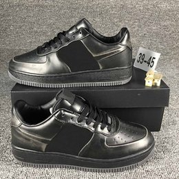 Wholesale metal mechanics - 2018 metal Iron Man Black Skateboard Shoes Top Level Fashion Streets Designer High Quality Casual Shoes With Box Size 39-45