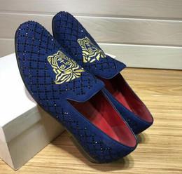 Nuova vendita calda Pelle scamosciata foratura calda Arrivla Fashion Mens Lamiera kanye west Scarpe casual taglia 3746 da