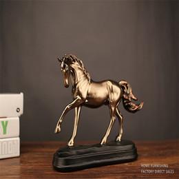 2019 vaso ricchezza Imitazione cavallo di rame Accessori per la casa ornamenti semplici mestieri di resina creativa retro imitazione rame decorazione pony regalo cavallo per il successo