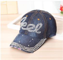 Venta al por mayor lavado Denim simulación letras de diamante gorra de  béisbol Jeans Rhinestone Labios gorras Snapback sombreros Hip Hop sombreros  para ... 59a875ed248