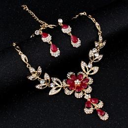 7c0cf8426e6c Disfraz de mujer africana caliente Conjunto de joyas para mujer Color oro  Negro Rojo Pendientes de collar de color dorado conjunto boda