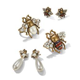 Schöne ringe geschenk für mädchen online-Neue Mode Frauen Ohrringe Vergoldet Strass Insekt Biene Ohrringe Broschen Ringe für Mädchen Frauen Schöne Geburtstagsgeschenk