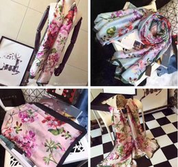 8d34907082df Designer Foulard en soie pour Femmes 2018 Printemps De Luxe Marque Floral  Fleur Longues Écharpes Wrap Avec Étiquette 180x90 cm Châles S227
