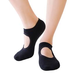 c1fc6855d Calcetines de yoga de las mujeres antideslizantes calcetines de ballet  ballet piso casa Sox de punto de algodón sin espalda calcetín de yoga  femenino SS025