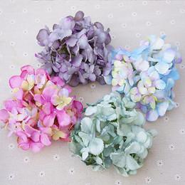 c0962c524360 10 unids 14 cm decoraciones de navidad de flores artificiales para el hogar  accesorios de la boda un casquillo costura seda Hydrangea scrapbook otoño
