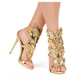 Metallic Winged Gladiator Frauen Sandalen 2018 High Heels Marke Sandalen Sommer Schuhe Frau Alias ​​Damen Party Schuhe Pumps von Fabrikanten
