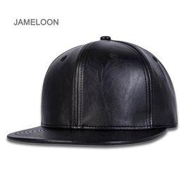 Chapéus de basquete de couro on-line-Sun cap material de couro PU snapback mais próximo aba plana ao ar livre ajustável tamanho unisex de tênis hip-hop popular basquete baseball esporte chapéu