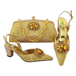 Wholesale Dresses Elegant For Office - 2018 Italian Design Woman Gold Color Shoes And Bag Set African Style Elegant High Heels Shoes And Purse Set For Party