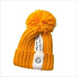 466a41bddb900 Mujeres tejer sombreros de lana 2017 pompones sombreros chicas skullies  gorros cálido sombrero de otoño e invierno sombrero femenino económico  sombreros ...