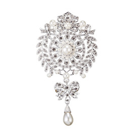 Wholesale wholesale bling brooches - Korean Full Bling Crystal Rhinestone Pearl Pendant Metal Alloy Silver Plated Brooch Pins Scarves Buckle Wedding Bridal Suit Accessories