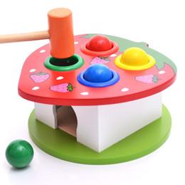 Fragola di legno online-Bambini che imparano l'istruzione Giocattoli Intelligence Fruit Knockout Table Lovely Strawberry Wooden Beat Giochi Regalo per Kid 13 5 W