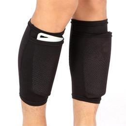 2020 medias de espinilla acolchadas 1 par de almohadillas de fútbol Shin Protege la cubierta del calcetín de la pierna taponada con bolsillo Mangas de la pierna Soporta Shin Guard Adultos Niños Apoyo medias de espinilla acolchadas baratos