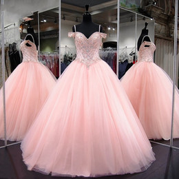 2019 courte quinceanera élégante Pink Quinceanera Dresses 2018 Modest Masquerade Ball Gown Prom Dress Sweet 16 Girls Birthday Party Lace Up Off Shoulder Full Length