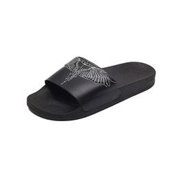eb2e3a36192b China Designer Slippers New Brand Letters Luxury Slides Mens Flip Flops  Summer Skid Resistance Beach Flat