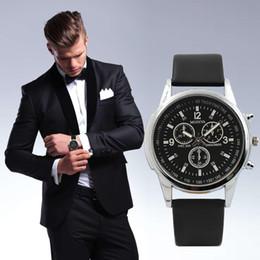 Argentina Relojes para hombre de moda Fake Three Eye Quartz Reloj para hombres Blue Glass Belt Reloj de pulsera para hombres Reloj de negocios relogio masculino Dropship cheap dropship mens fashion Suministro
